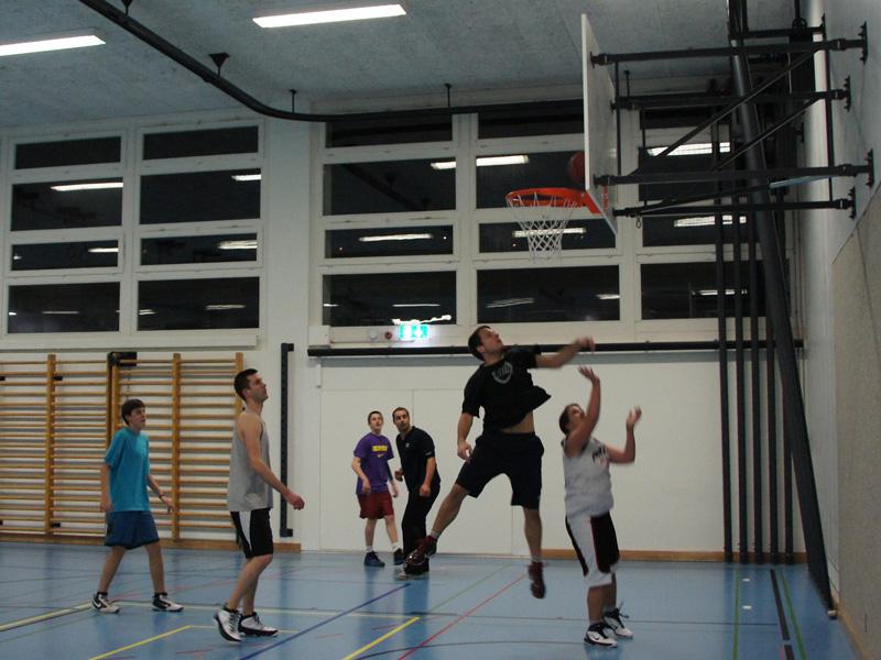 Kiwanis Club Limmattal Zürich Midnight Basketball